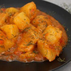 mancare de cartofi cu carne de porc - Bucate pe Roate