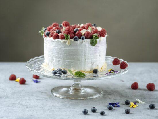 Tort mousse cu fructe de padure - Bucate pe Roate