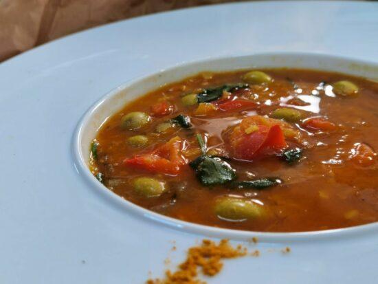 Supa de linte cu masline 1 scaled - Bucate pe Roate